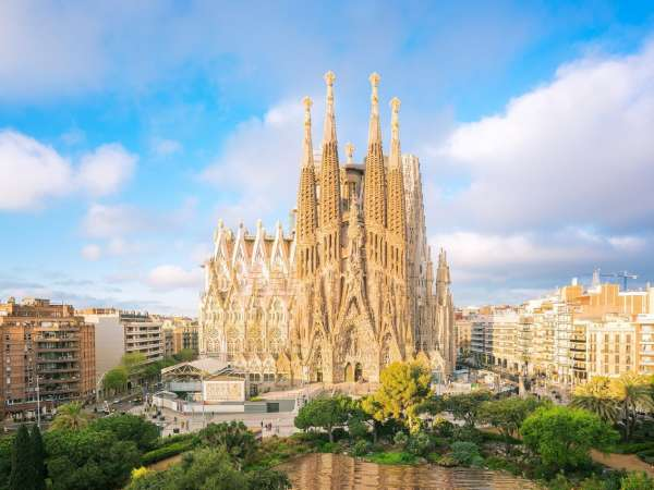 How to Travel from Barcelona to Valencia?