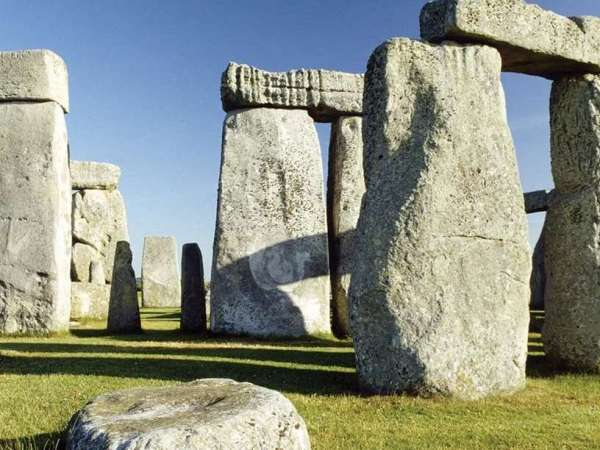 From London to Stonehenge