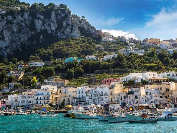 How to Travel from Rome to Capri