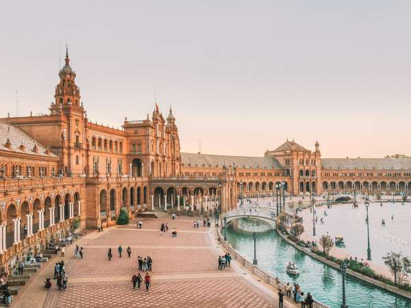 How to Travel from Seville to Granada
