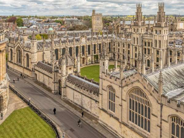 How to reach from London to Oxford?