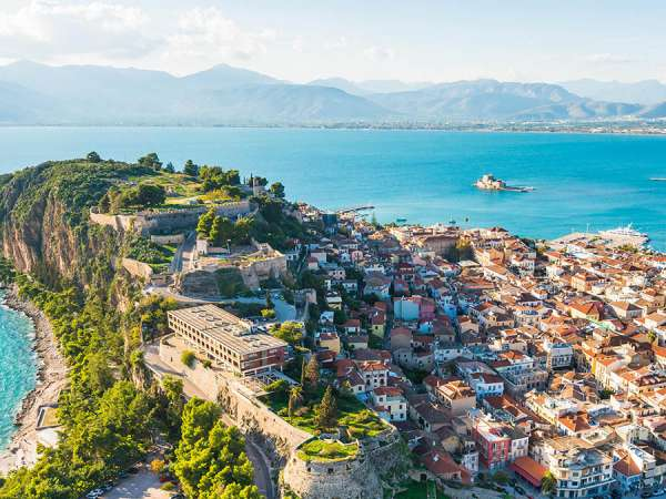 How to reach from Nafplio to Athens?