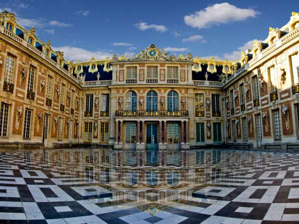 How to reach from Paris to Palace of Versailles?