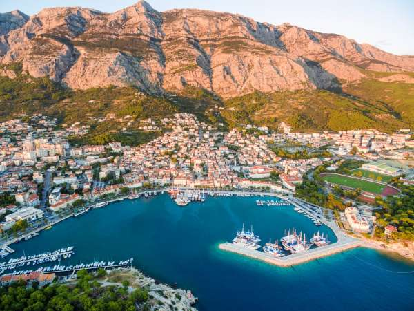 How to Travel from Tivat airport to Makarska