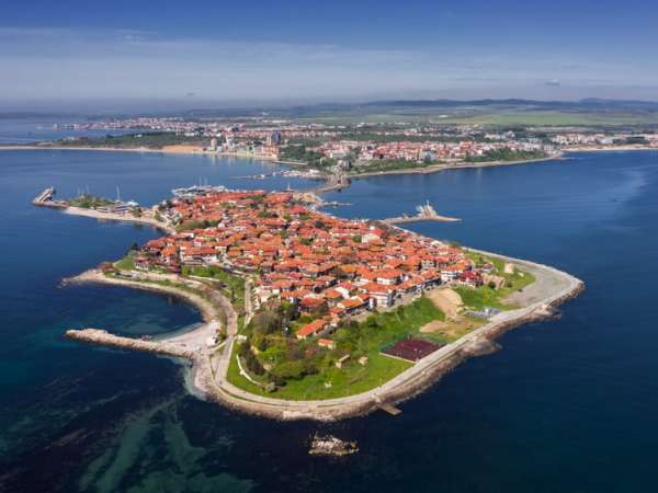 How to Travel from Burgas Airport to Nessebar?