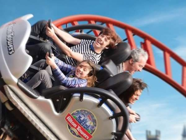 How to Travel from Manchester airport to Alton Towers?
