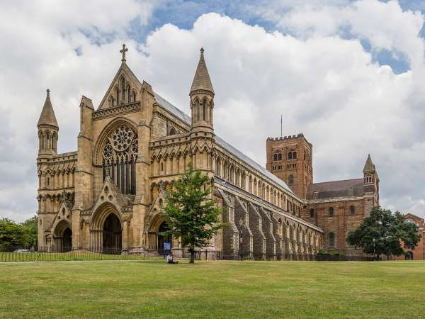 How to travel from St Pancras airport to St Albans?