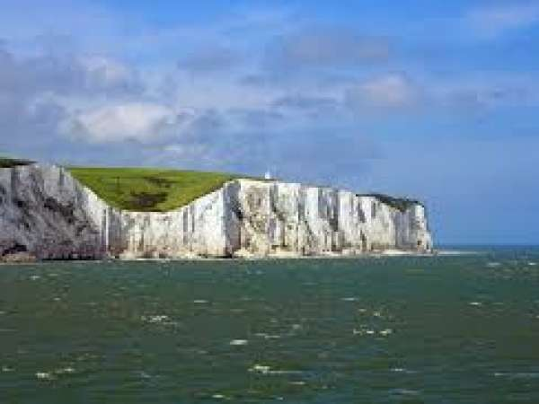 How to travel from London Heathrow airport to Dover?